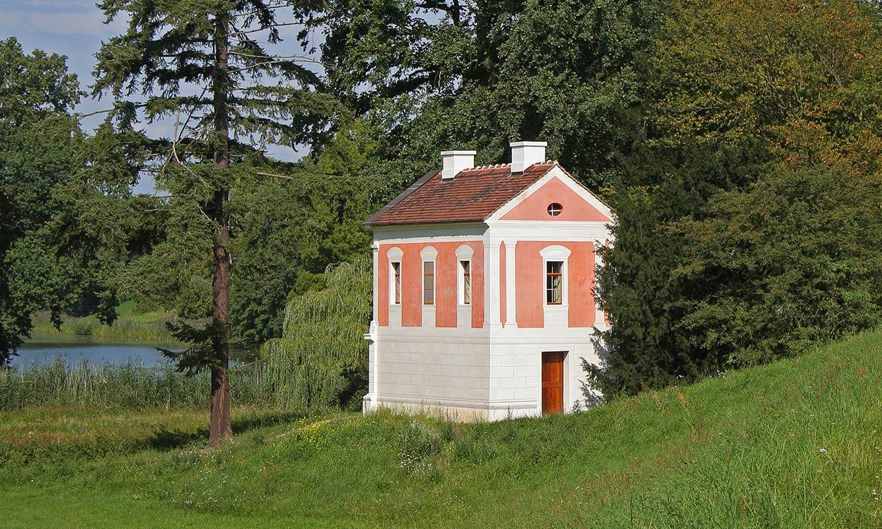 Das Rote Wallwachhaus in Wörlitz